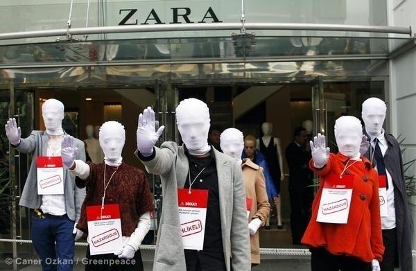 Maniquíes usados por Greenpeace para protestar por la falta de transparencia y malas prácticas ambientales, fuente Greenpeace.